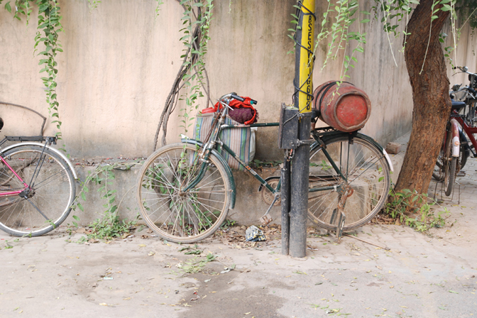 ashleigh-leech-someform-bicycle-vasant-kunj-new-delhi