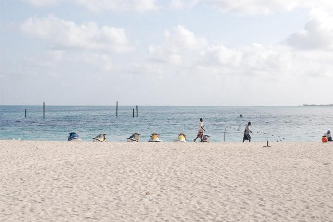 ashleigh-leech-someform-beach-nassau-bahamas-01