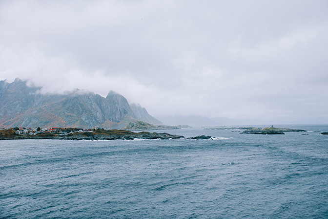 ashleigh-leech-someform-norway-lofoten-02